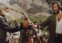 خاتمی گفت که هنرپیشه قبل از انقلاب نماز هم بخواند، نمازش قبول نیست